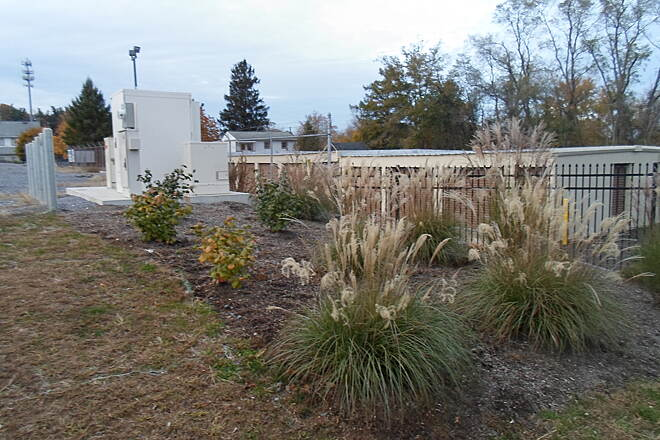 Elizabethtown Connector Trail Elizabethtown Connector Trail These landscaped gardens outside the mini-storage facility add beauty to the trail in spring and summer; this photo was taken in Oct. 2015, when the plants were going dormant for the winter.