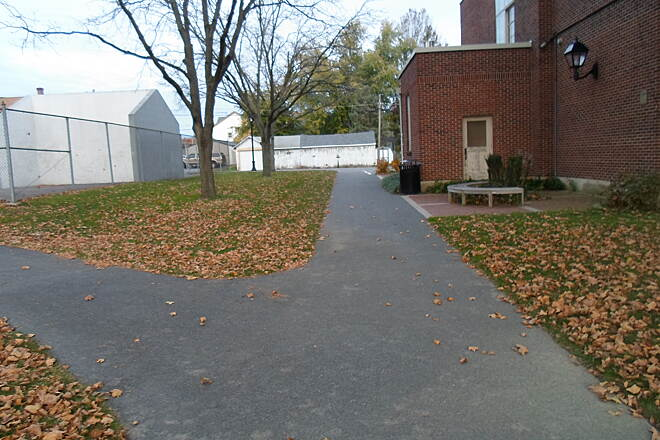 Elizabethtown Connector Trail Elizabethtown Connector Trail The trail branches in two near the borough's skate park; the path on the left passes west of the facility to a parking lot off High Street, while the other goes straight to Peace Ave.