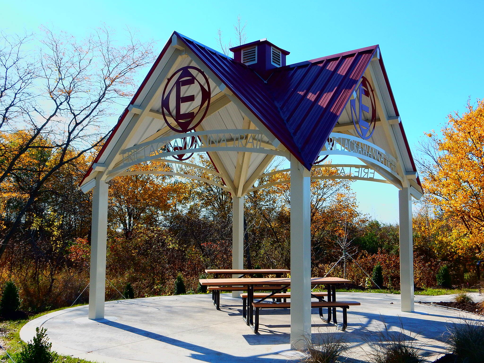 Erie Lackawanna Trail New Trail Head This is the new shelter at the just completed trailhead at 93rd and Chase, near Crown Point, taken 11-4-16.