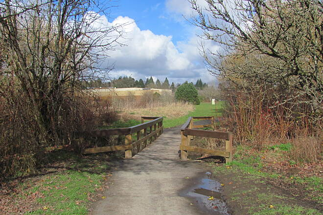 Fanno Creek Greenway Trail Fanno Creek Trail at Greenway Park, Beaverton