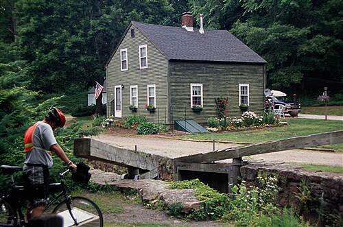 Farmington Canal Heritage Trail