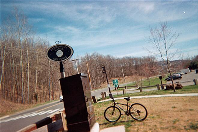 Farmington Canal Heritage Trail A Hamden Trailhead A trailhead in Hamden, where the trail comes back out of the woods and rejoins Rt 10, near the Sleeping Giant
