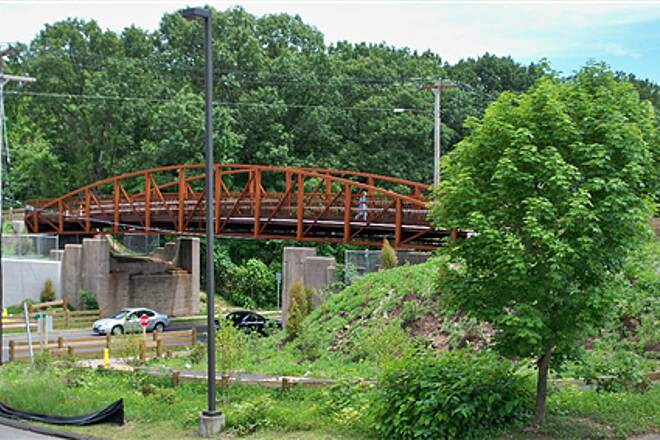 Farmington Canal Heritage Trail Bridge over Putnam Av., Hamden Ramps provide access to the trail from both sides of the street.