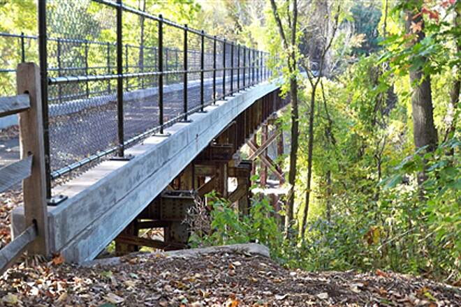 Farmington Canal Heritage Trail Salmon Brook Bridge over Salmon Brook in East Granby