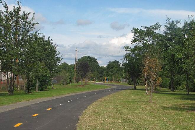 Farmington Canal Heritage Trail Science Park Slight curves are built into the trail for some variety.
