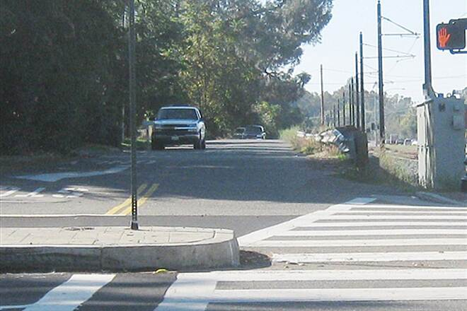 Folsom Parkway Rail Trail Natoma St. Looking south at Natoma St.