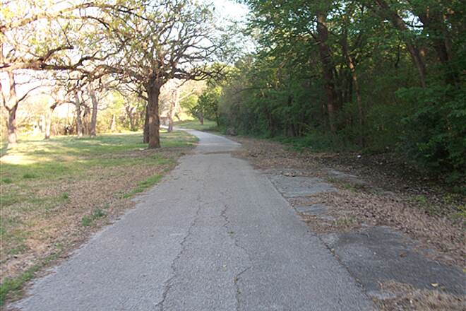Fort Worth Branch (Trinity River Trails) Approaching University Drive  Rockwood Park area