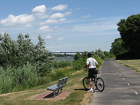 Fox River State Trail Trailside rest De Pere