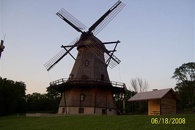 Fox River Trail (IL)  Fabyan Windmill