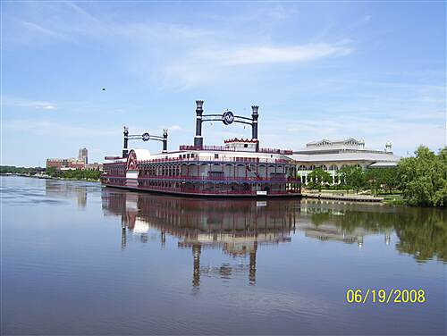 Fox River Trail (IL)  The Grand Victoria Casino Boat Elgin,IL