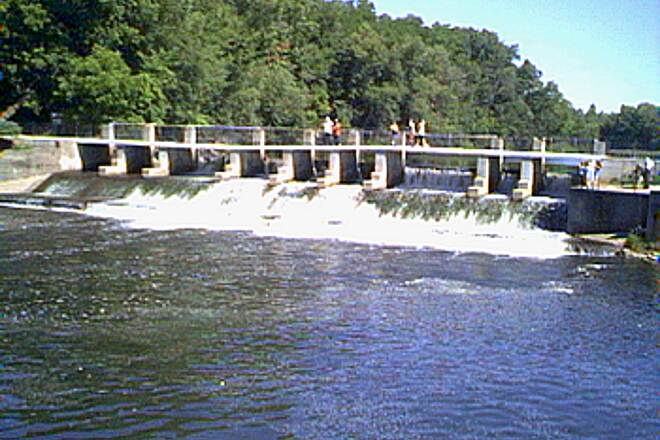 Fred Meijer White Pine Trail State Park The Rockford Dam This old hydropower dam is next to the White Pine Trail as it passes through a revitalized wharehouse district, which is now speciality shops, resturants, and artist gallaries, in downtown Rockford.