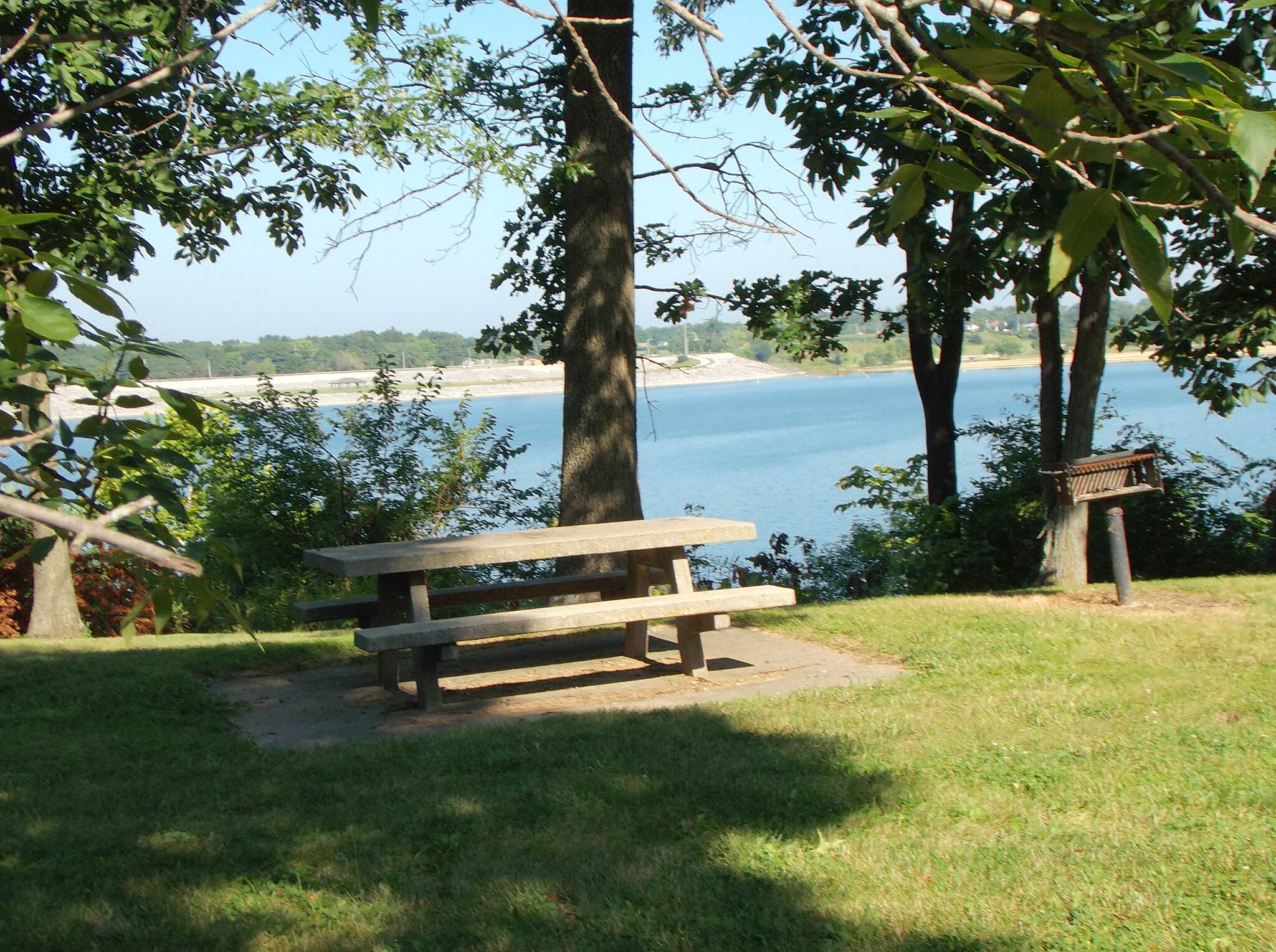 General Dacey Trail Trailside Picnic, Anyone? Complete with shade and beautiful view of lake from COE park, east of the dam.