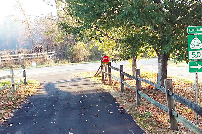 Genoa Trail Northbound Nov 2016 North end at Plumb Rd, connection to the Hoover Scenic Trail is a short distance to the right