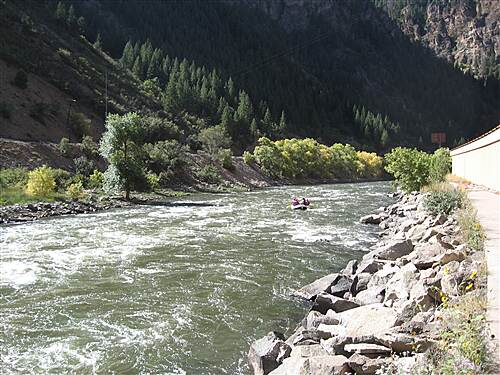 Glenwood Canyon Recreation Trail Glenwood Canyon Trail Colorado River along side the trail