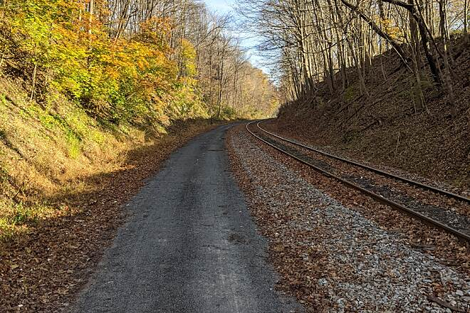 Great Allegheny Passage Climb from Cumberland to Frostburg The trail parallels Western Maryland Scenic Railroad. The climb is a steady grade of 1.5-1.75%.