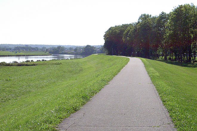 Great Miami River Trail West Carrollton July 2015 Northbound on floodwall