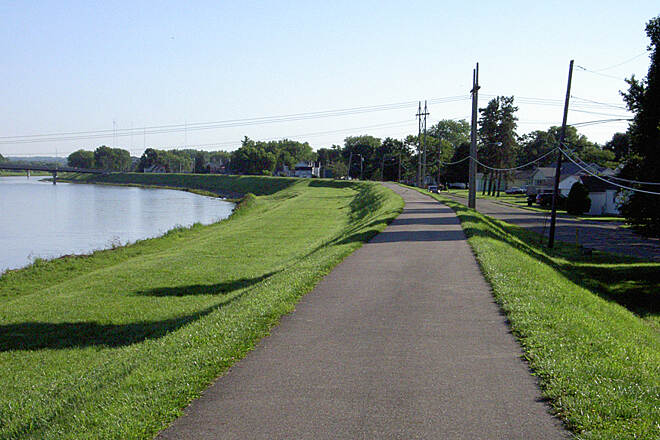 Great Miami River Trail Miamisburg July 2015 Northbound on floodwall