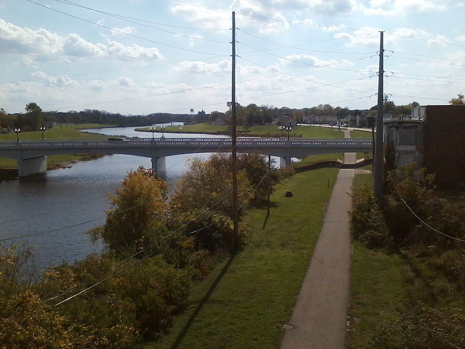 Great Miami River Trail Piqua looking South