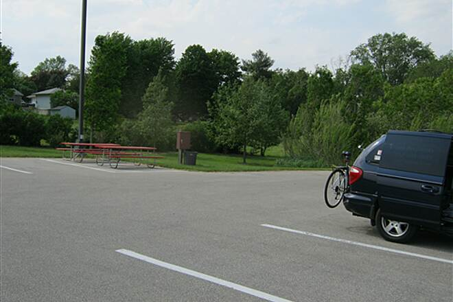 Great River Ridge State Trail  Picnic table & parking in Plainview