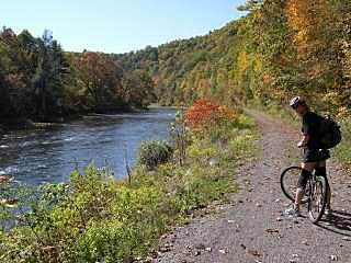 Greenbrier River Trail All Downhill from Cass to Lewisburg, WV Take advantage of approximately 450' elevation drop in the North to South direction.