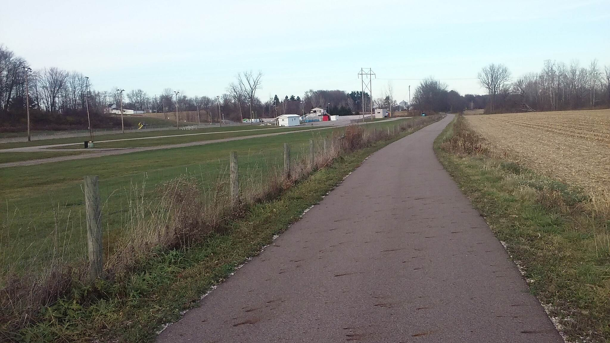 Heart of Ohio Trail Northbound November 2015 Pacemakers Dragway Park along Heart of Ohio Trail in South part of Mt. Vernon, OH