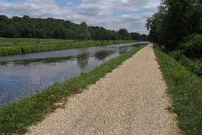 Hennepin Canal Parkway Along the Hennepin Canal