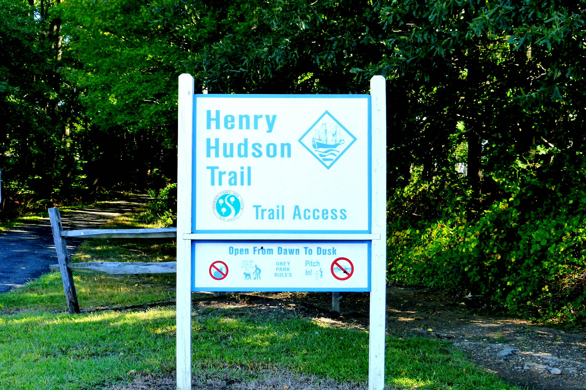 Henry Hudson Trail  Aberdeen Trailhead Aberdeen Trailhead of the northern Henry Hudson Trail.