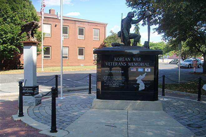Heritage Rail Trail County Park Korean War Veterans Memorial In addition to the shade trees and nearby historic buildings, the section of the trail in downtown York is lined with numerous monuments and interpretive plaques. This one commemorates local veterans who fought in the Korean War.