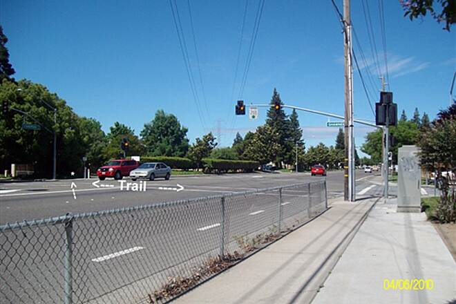 Hetch Hetchy Trail Hetch - Hetch at Standiford Ave Trail Crossing Standiford Ave at Shawnee Dr. Looking west