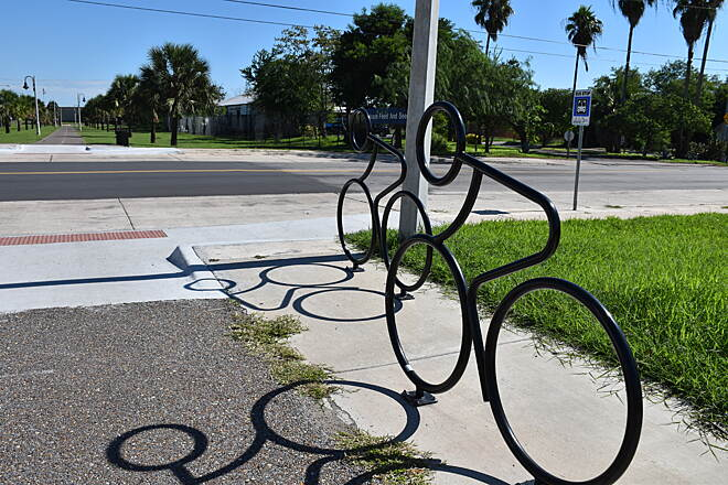 Historic Battlefield Trail Bicycle Racks along Historic Battlefield Trail These two bicycle racks face East Ringgold Street and are located in front of the Brownsville Museum of Fine Art.