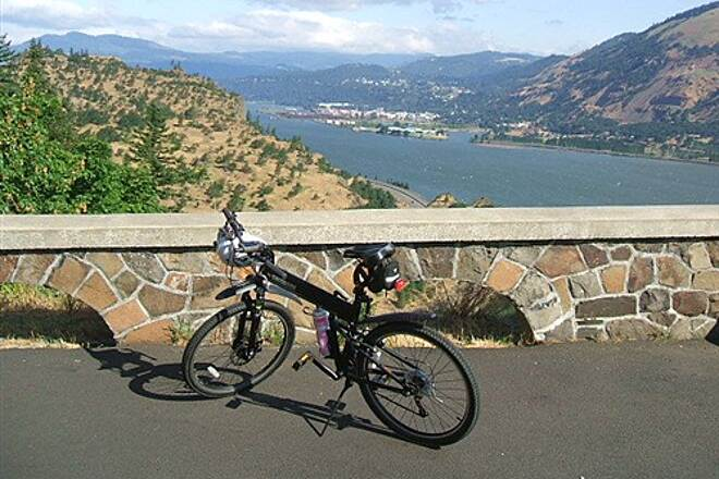Historic Columbia River Highway State Trail Western viewpoint Western viewpoint - subject to rockfalls