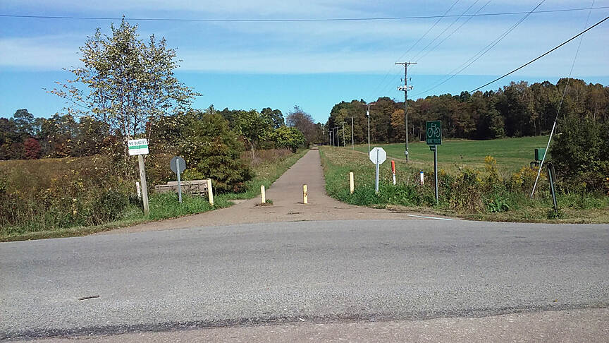 Holmes County Trail Northbound Oct 2016 Holmesville to Fredericksburg, trail crosses Sterling St (CR 439)
