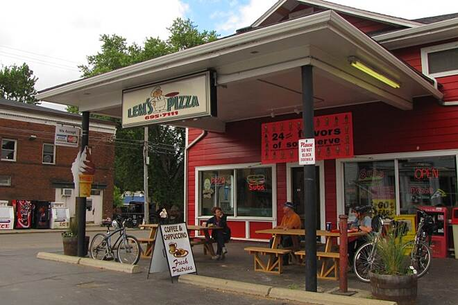 Holmes County Trail Holmes County Trail Lem's Pizza in Fredericksburg!