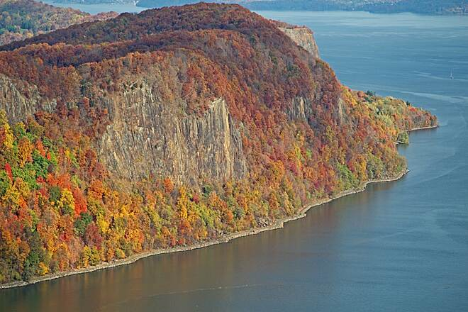 Hook Mountain/Nyack Beach Bikeway Hook Mtn with Trail The trail skirts the West shore of the Hudson River under Hook Mtn, north of Nyack NY.  The vistas are awesome, and the river is approximately 3 miles wide here.  Hard to believe you are only 25 miles north of NYC!