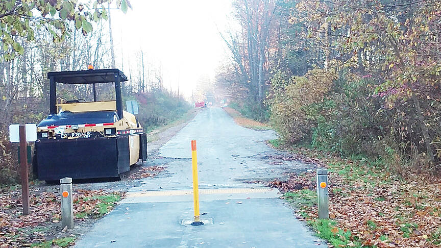 Hoover Scenic Trail Northbound Nov 2016 North end at Wiese Rd, the Ohio to Erie Trail continues on 0.6 miles to Galena