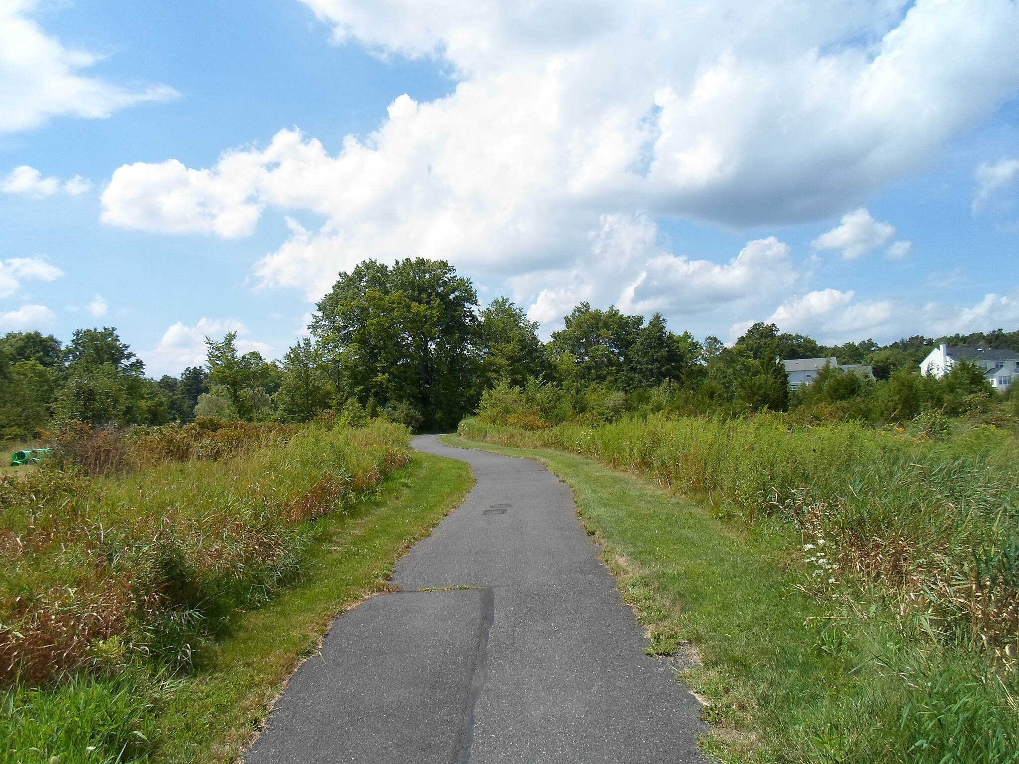 Hunters Crossing and Brayton Garden Trails Hunters Crossing Trail The trail connects several developments in northwest Bucks County.