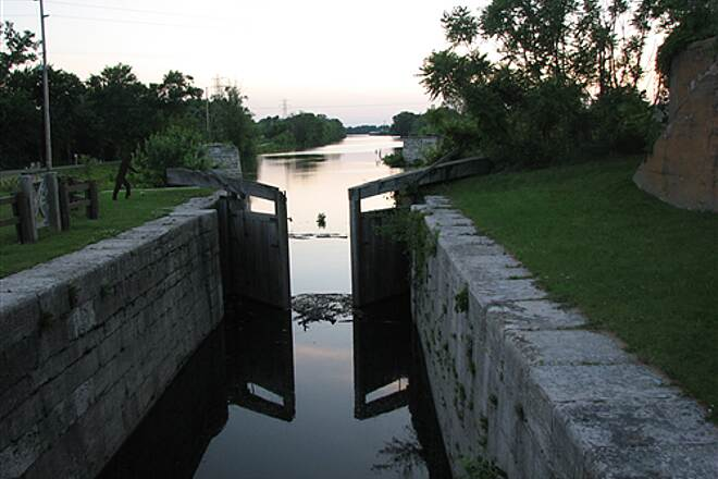 Illinois & Michigan Canal State Trail I&M Canal Path Lock 14 connecting the I&M Canal with the Illinois River