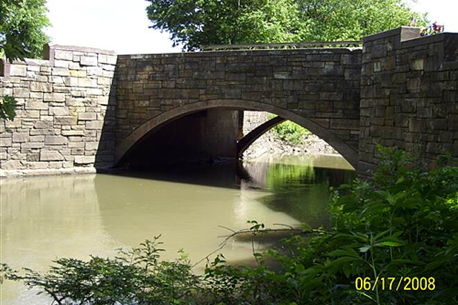 Illinois & Michigan Canal State Trail  Canal aqueduct near Gebhard Woods State Park, bottom view