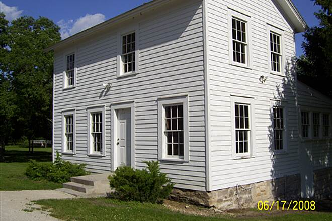 Illinois & Michigan Canal State Trail  Restored locktenders house