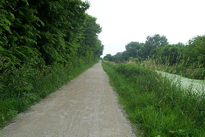 Illinois & Michigan Canal State Trail  Canal Near Brandon Road Access