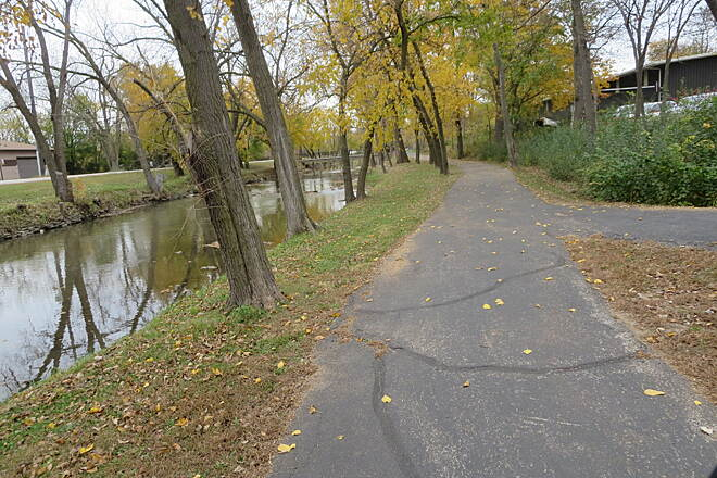 Illinois & Michigan Canal State Trail Lockport Section of Trail
