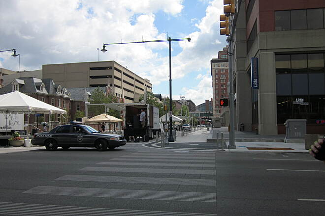 Indianapolis Cultural Trail GA Street One leg of the trail passes by the Georgia Street pedestrian mall, where you can explore restaurants and shops.