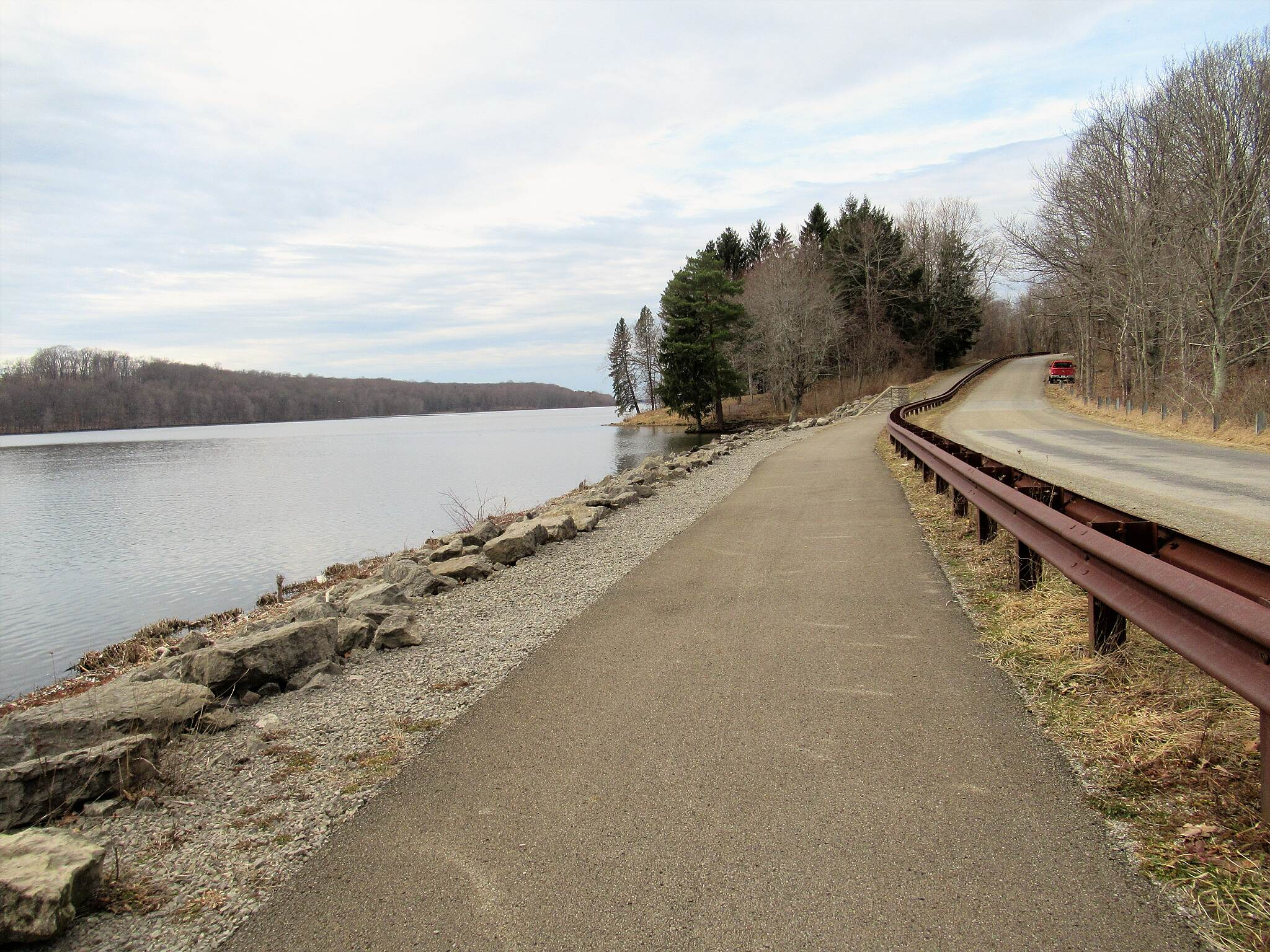 John C. Oliver Multi-Purpose Loop Trail Trail along the lake Trail runs along the lake on this section