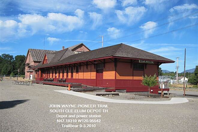 John Wayne Pioneer Trail JWPT - S. CLE ELUM DEPOT Passenger depot and sub station