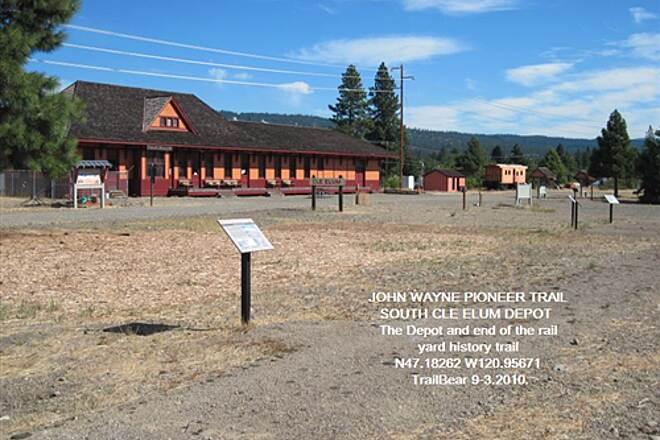 John Wayne Pioneer Trail JWPT - S. CLE ELUM DEPOT A bit of the Rail Yard Trail and signs