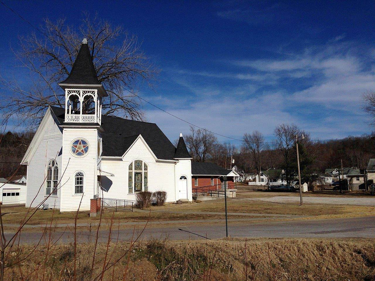 Katy Trail State Park A Church In Hartsburg, MO Beautiful day on Saturday, and the church is ready for Sunday...