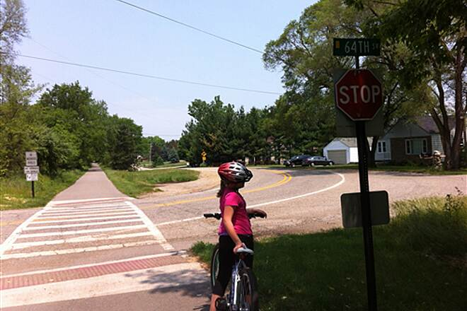 Kent Trails Kent Trails - 64th St Crossing Looking North