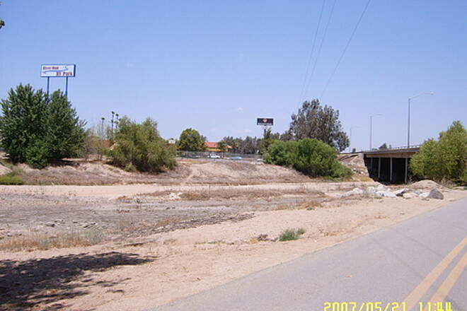 Kern River Parkway Trail Hwy 99 Underpass Approching from Southwest