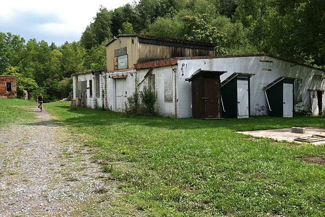 Keuka Outlet Trail Abandoned Shop