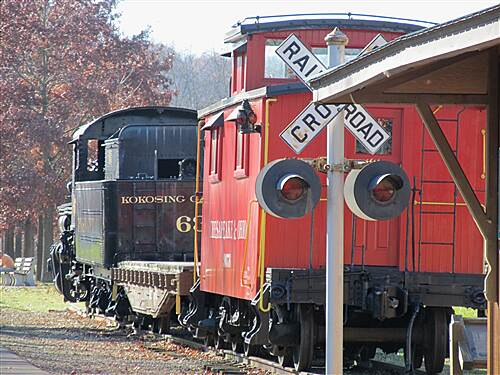 Kokosing Gap Trail Kokosing Gap Trail Gambier- locomotive & caboose